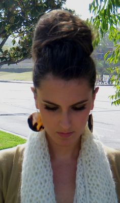 If only I had enough hair to do this high bun!