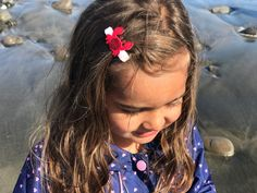 Get crabby with our adorable crab no-slip hair clip! Always soft on your little girls head, but super strong grip with our velvet lined hair clips. Pull back her bands on a hot summer day at the beach!😘 Toddler Hair Clips, Baby Hair Clips, Baby Headbands, Velvet Hair, Girls Hair Accessories, Baby Bows, Toddler Girl, Little Girls, Petite Fille