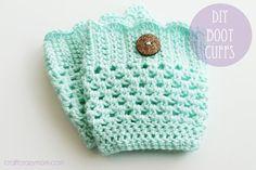 DIY Crochet Boot Cuff Patterns {7 Free Designs} - EverythingEtsy.com