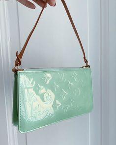 women handbags and purses Tod Bag, Sacs Design, B 13, Cute Purses, Cheap Purses, Vintage Bags, Vintage Dior Bag, Cute Bags, Mode Outfits