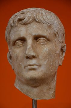 Portrait of emperor Augustus, after 27 BC, probably from Italy, Liebieghaus, Frankfurt am Main  