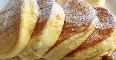 焼く時のちょっとしたコツで型を使わず、フワフワ分厚いスフレパンケーキ♪ヨーグルトをたっぷり使って、さっぱり軽〜〜い♡