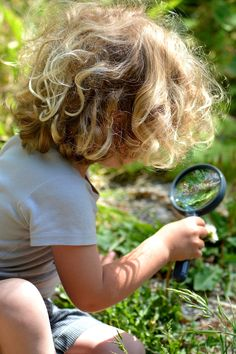 """.my little granddaughter likes to use my magnifying glass too ! It amazes her and she searches for wee critters to """"spy on"""" <3"""