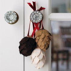 Nous allons vous donner 20 idées magnifiques d'ornements sapin de Noël naturels à faire vous-mêmes. Elles sont faciles à faire et très originales et repré