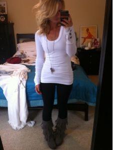 Long sleeve white thermal, long pendant necklace, black leggings & grey fringe minnetonkas <3