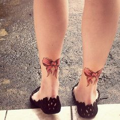 similar to what im getting but my bows are going on the back of my thighs and are original.