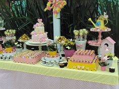 Festa Borboleta por Mog e Mug papelaria por Papel com Design #festainfantil #festapersonalizada #decoracaofesta #chadebebe #papelariapersonalizada #temaborboleta #jardim