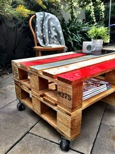 My pallet coffee table with a splash of red ❤️