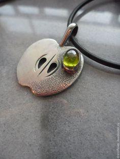 Silver necklace Apple | Купить Подвеска серебряная Яблоко - оливковый, подвеска серебряная, серебряная подвеска, серебро