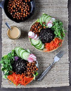 A nourishing buddha bowl of black rice, pea shoots, pickled carrots & spiced chick peas. This is both a crispy and crunchy recipe and the variation of colours makes it look so alluring. Healthy Cooking, Healthy Eating, Cooking Recipes, Vegetarian Recipes, Healthy Recipes, Food Bowl, Whole Food Recipes, Rice Recipes, Clean Eating