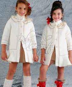 Abrigos disponibles en www.babycoquette.com