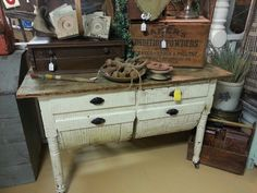 Have you ever seen a possum belly base cabinet? Love the drawers on this one! ♥
