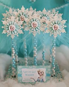Disney+Frozen+Party+Favors | https://www.etsy.com/listing/179654298/12-elsa-party-favor-candy-wands ...