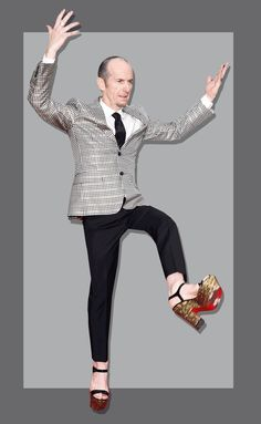 Denis O'Hare might be more coordinated in platform sandals than we are.  It's not easy to stand around in heels all night, but theAmerican Horror Story actor was so comfortable in these Christian Louboutin platform sandals, he even showed off some fancy footwork (and a cute pedicure) on the Golden Globes
