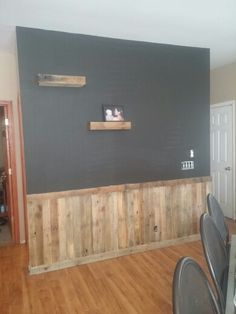 trendy ideas for rustic wood chair rail wall colors Home Renovation, Home Remodeling, Demis Murs, Farmhouse Chairs, Pallet Chair, Palette, Chair Makeover, Interior Exterior, My Living Room