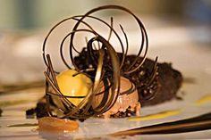 Cacao-Nib-Cake, fancy plating