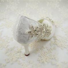 Laco-Feito-A-Mao-Marfim-Frisada-Sapatos-De-Noiva-Strass-Perola-sapatos-Casamento-Uk-3-8