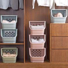Cheap Bathrooms, Small Bathroom, Modern Bathrooms, Design Bathroom, Bathroom Ideas, Laundry Closet Makeover, Cheap Shelves, Home Organization, Medicine Organization