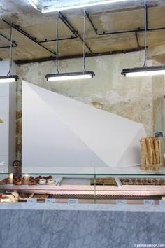 Pâtisserie- boulangerie: Liberté :  39 rue des Vinaigriers, Paris 10ème. Ouvert du mardi au samedi de 7h à 20h.