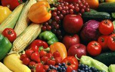 10 cibi colorati per la salute - 10 cibi colorati per la salute: scopriamo quali sono le proprietà del limone, delle arance, dei pomodori, delle fragole e del prezzemolo.