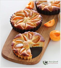 This Gluten Free Apricot Almond Tart with simple ingredients is not too sweet and it doesn't take much effort to prepare. Besides fresh apricot, you can use any hard stone fruits, like nectarines, peaches, plums or even canned fruit of your choice. Tart Recipes, Sweet Recipes, Baking Recipes, Dessert Recipes, Fruit Dessert, Lemon Desserts, Gluten Free Sweets, Gluten Free Cakes, Gluten Free Recipes