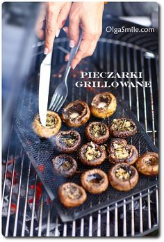 Pieczarki grillowanie Dinner Side Dishes, Dinner Sides, Grilled Mushrooms, Stuffed Mushrooms, Breakfast Lunch Dinner, Breakfast Recipes, Appetizer Salads, Appetizers, Bbq Grill
