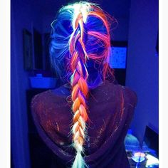 The new glow in the dark hair trend