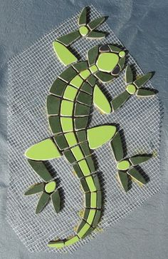 Bildergebnis für reptil on stone mosaic Mosaic Garden Art, Mosaic Tile Art, Mosaic Rocks, Mosaic Stepping Stones, Mosaic Artwork, Mosaic Glass, Mosaic Art Projects, Mosaic Crafts, Stained Glass Projects
