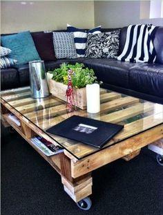 DIY Tische aus Europaletten couchtisch wohnzimmer schwarz weiß