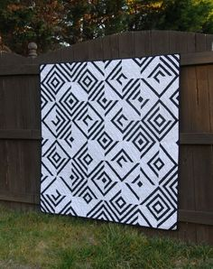 Use Your Illusion - a Digital pdf Quilt Pattern - Paper Pieced Pattern - Wall, Baby, Lap Sizes Quilt Square Patterns, Paper Pieced Quilt Patterns, Modern Quilt Patterns, Wall Patterns, Pattern Paper, Quilt Modern, Sewing Patterns, Modern Quilting, Contemporary Quilts