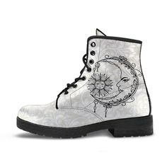 Combat Boots Style, Women's Boots, Custom Design Shoes, Custom Shoes, Moon Boots, Leather Lace Up Boots, White Boots, Boots Women, What I Wore
