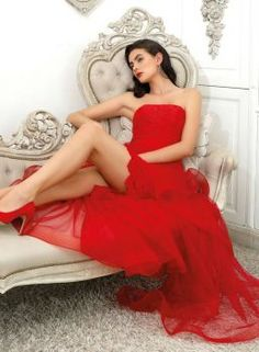 Solve 894 jigsaw puzzle online with 130 pieces Amazing Red, Jigsaw Puzzles, Formal Dresses, Fashion, Dresses For Formal, Moda, Formal Gowns, Fashion Styles, Formal Dress