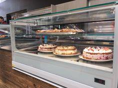 Bei uns gibt es selbstgemachten Kuchen. ☺️ Welcher Kuchen magst du am liebsten ?  #café #bistro #eis #kaffee #kuchen #auszeit #snack #holztisch #selfmade #natur #holz #drechseln #diy #erlebnisgärtnerei #hödnerhof #ebbs #ausflugsziel #erleben #kinderwelt Cafe Bistro, Timber Table, Time Out, Ice, Homemade