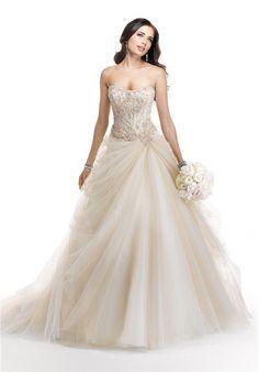 Reminds of Cinderella's dress!!