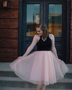 Shop Skylar Belle top, Space 46 tulle skirt, flowy skirt, flowy maxi skirt, bridal separates, long skirt, petite fashion blog, petite fashion blogger, Charleston fashion blogger, Los Angeles fashion blogger, maxi skirt, pink tulle skirt, wedding skirt, bridesmaid skirt, pink skirt, tutu skirt, ballerina skirt