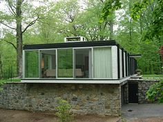 A nave do bom gosto: januari 2011 Armonk, NY, by Arthur Witthoefft. Houses Architecture, Amazing Architecture, Interior Architecture, Modern Exterior, Interior Exterior, Mid Century Exterior, Mid Century House, Brutalist, Model Homes