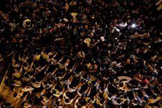 雨伞革命又开始死灰复燃了,向热爱自由法制不屈的香港人致敬。