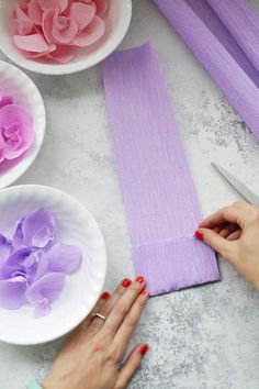 Ideas Birthday Party Decorations Purple Tissue Paper For 2019 Paper Flower Decor, Tissue Paper Flowers, Paper Roses, Paper Decorations, Flower Crafts, Birthday Party Decorations, Flower Decorations, Paper Garlands, Giant Paper Flowers