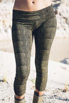 Viper leggings -Snake print leggings- Organic cotton leggings-Gold snake print leggings