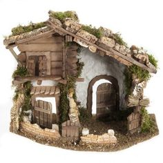 This setting is crafted in Italy with natural materials. Why choose Holyart? Reggio, Nativity Stable, Natural Materials, Decoration, Firewood, Diy And Crafts, Home And Garden, Scene, Cabin