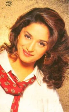 Madhuri Dixit so gorgeous Beautiful Bollywood Actress, Most Beautiful Indian Actress, Beautiful Actresses, Bollywood Stars, Bollywood News, Raveena Tandon Hot, Egyptian Movies, Vintage Bollywood, Ethereal Beauty