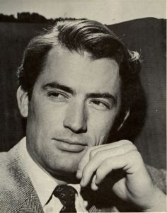 Gregory Peck, The Handsome Gentleman Hollywood Men, Golden Age Of Hollywood, Vintage Hollywood, Classic Hollywood, Hollywood Icons, Gregory Peck, Divas, Best Actor Oscar, Atticus Finch