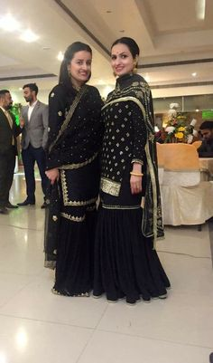 Patiala Suit Designs, Sharara Designs, Dress Indian Style, Indian Outfits, Indian Wear, Designer Punjabi Suits, Indian Designer Wear, Pakistani Wedding Outfits, Pakistani Dresses