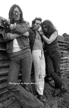 Motorhead:    Lemmy Kilmister (Vocals, Bass)  Larry Wallis (Guitars)  Lucas Fox (Drums)