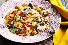 Celebrate National Spaghetti Day with our easy spaghetti recipes. Whether you want spaghetti with bacon or a vegetarian option, you'll find it here. Mushroom Recipes, Vegetable Recipes, Vegetarian Recipes, Healthy Recipes, Free Recipes, Easy Dinner Recipes, Pasta Recipes, Best Spaghetti Recipe, Fried Green Beans
