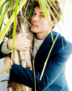 I have never been so bloody jealous of a palm tree in my life. ....You be good to him, you horribly lucky little plant!