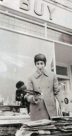 Pete Townshend shopping for vinyl
