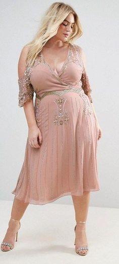 39 Plus Size Party Dressses with Sleeves - Plus Size Cocktail Dresses - alexawebb.com #alexawebb #plussize