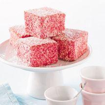 Lamington Cake Recipe, Lamingtons Recipe, Pudding Desserts, Baking Desserts, Bakery Recipes, Sweet Recipes, Kiwi Recipes, Celebration Cakes