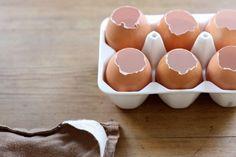 Направи сам - насадете трева во велигденските јајца за Велигден